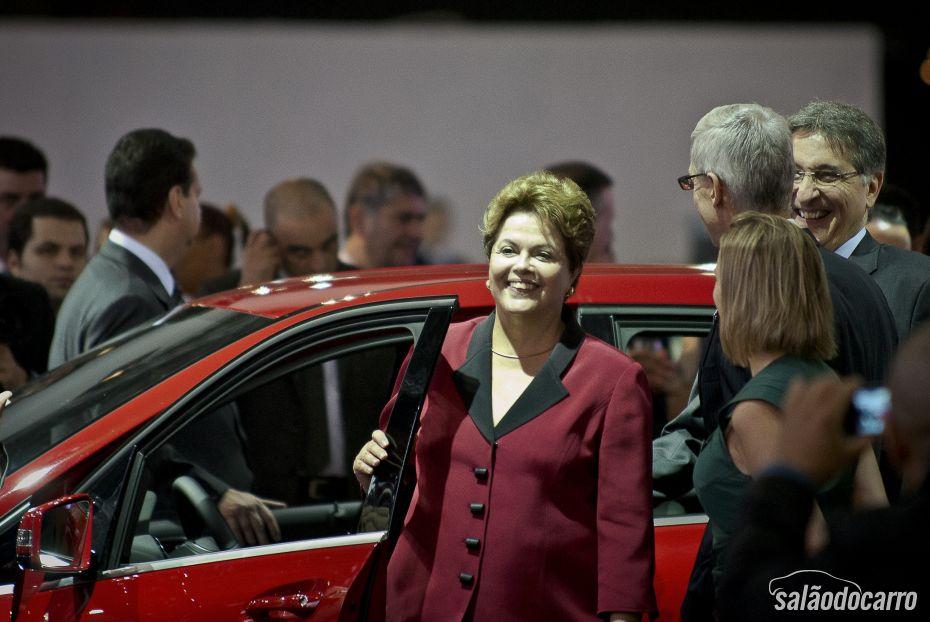 Presidenta Dilma anunciando a prorrogação do IPI reduzido