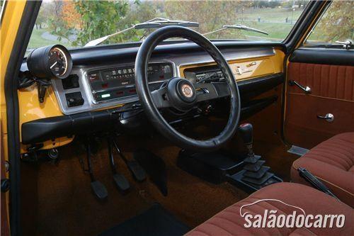 Fiat 125: Interior de modelo modificado