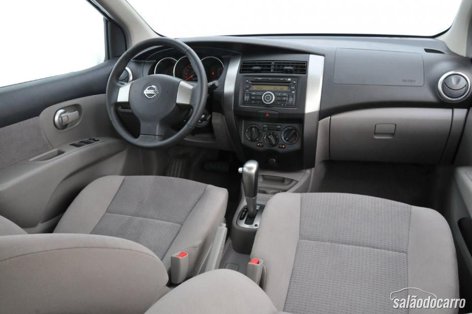 Nissan Livina - Interior