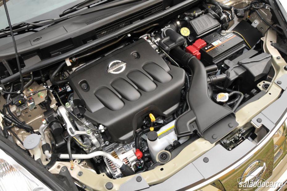 Nissan Livina - Detalhe do motor