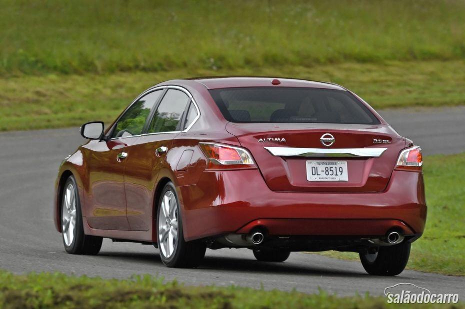 Nissan Altima - Foto 2