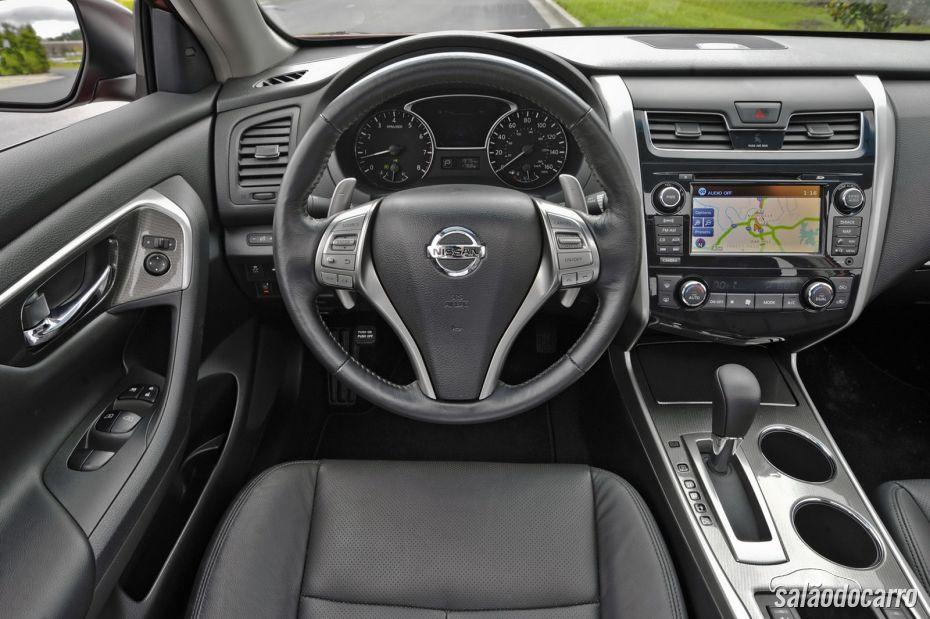 Nissan Altima - Foto 12