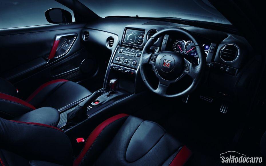 Nissan GT-R - Foto 8