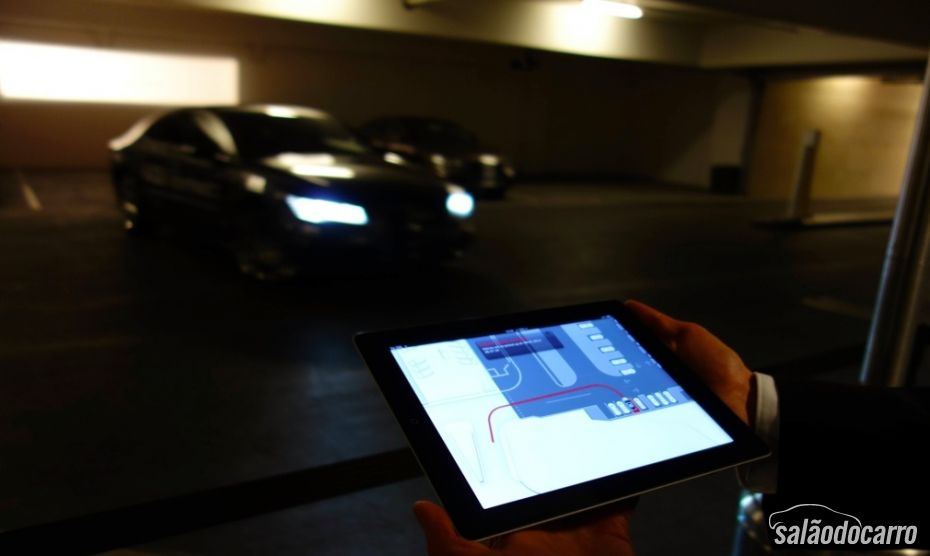 Trajetória do carro em tablet.
