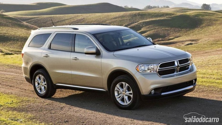 Dodge Durango chega ao Brasil custando a partir dos R$ 179,9 mil.