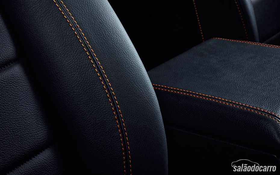 Land Rover Defender edição limitada com costuras diferenciadas