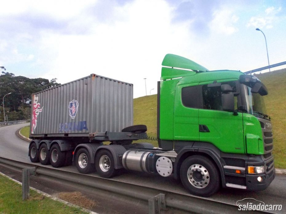 Scania R440 - Lateral