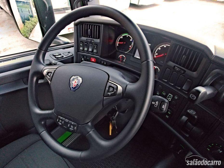 Scania R440 - Interior e Volante