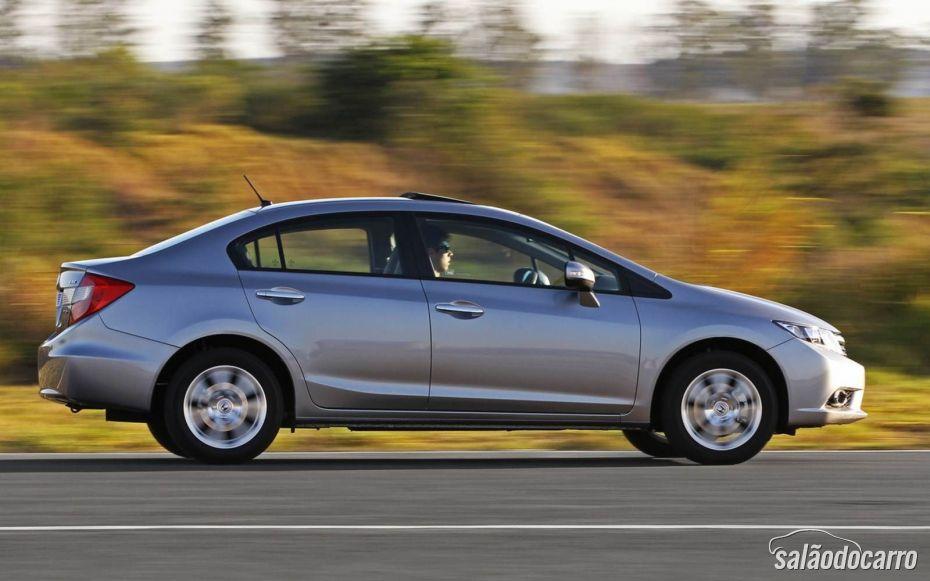 Civic 2.0 possui novas tecnologias e motor de primeira.