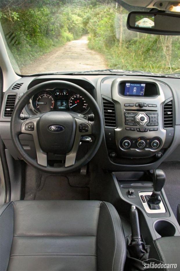 Ford Ranger Limited - Interior e Cabine