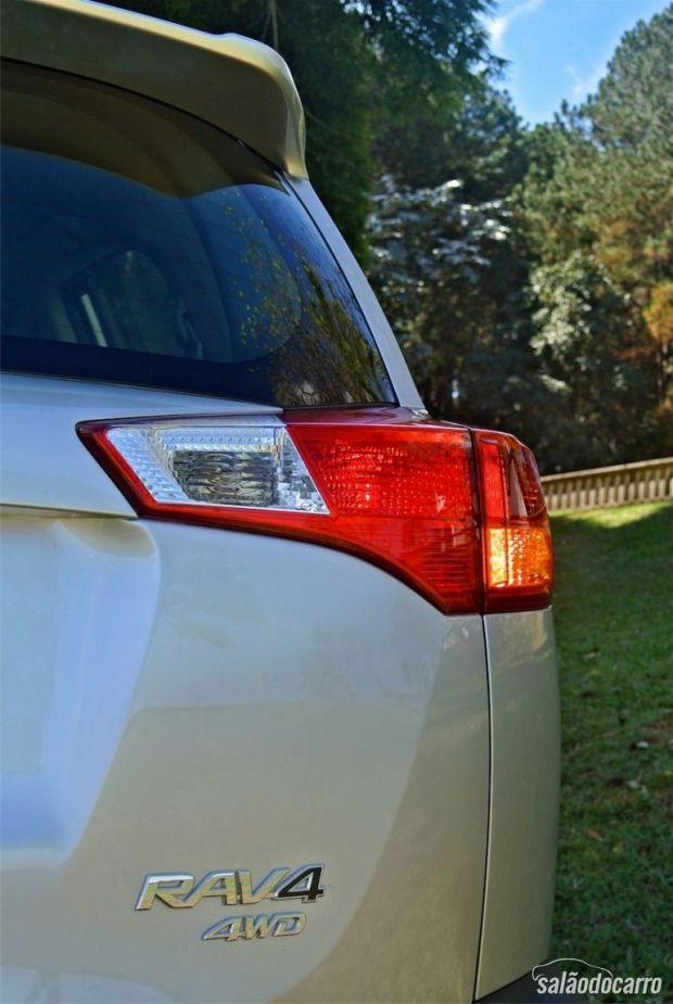 Toyota RAV4 - Detalhe da Lanterna Traseira