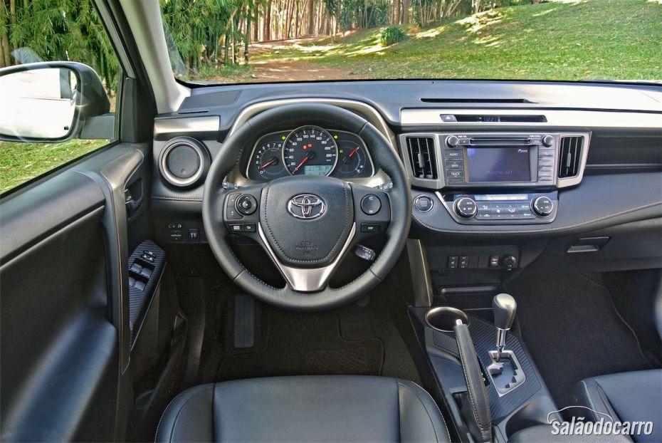 Toyota RAV4 - Detalhe do Interior da Cabine