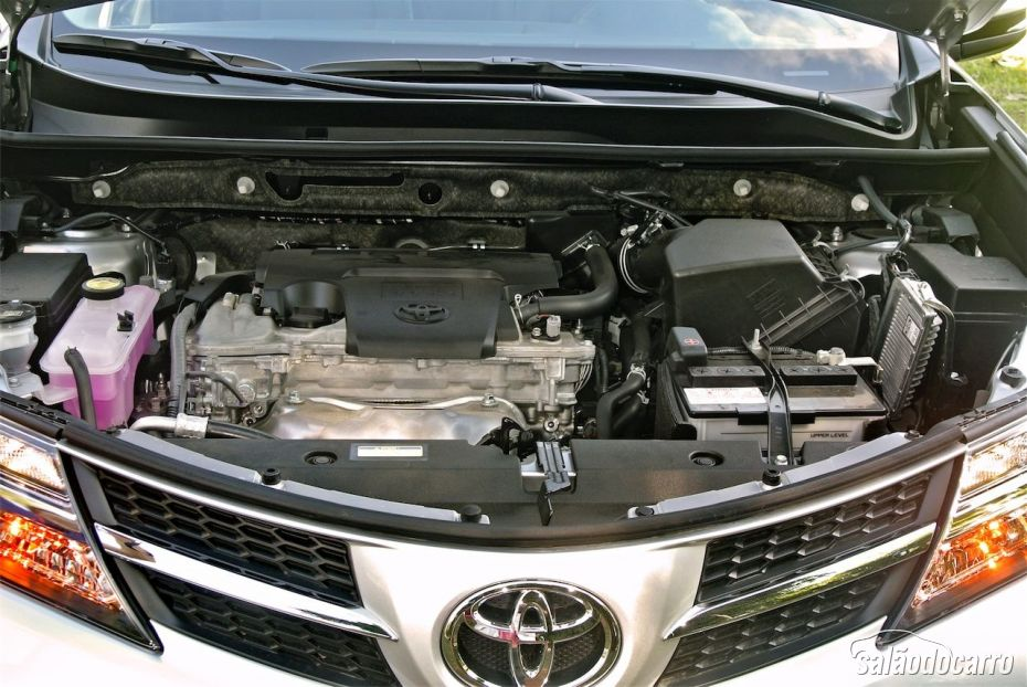 Toyota RAV4 - Motor
