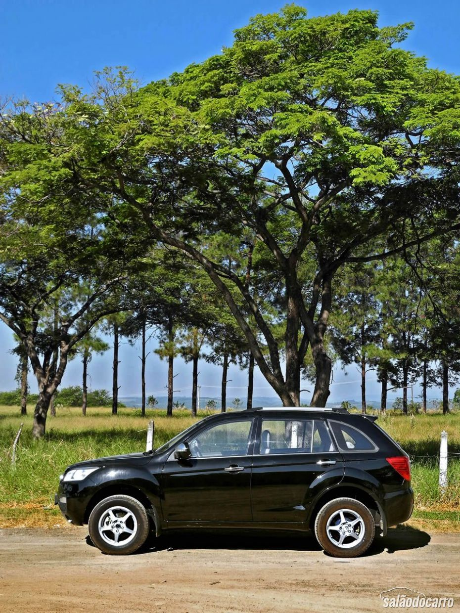 Lifan X60 - Lateral