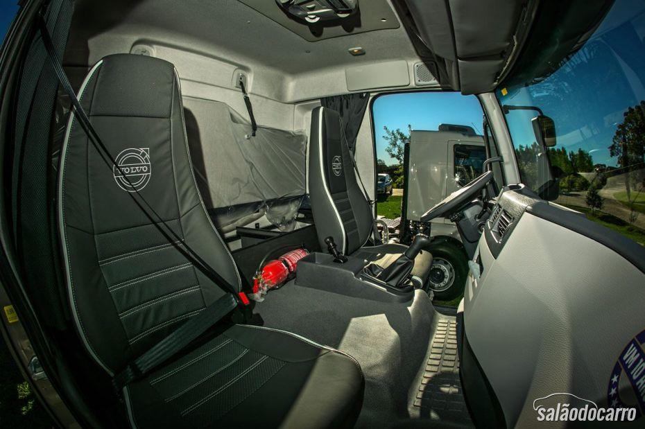 Volvo VM 10 anos - interior