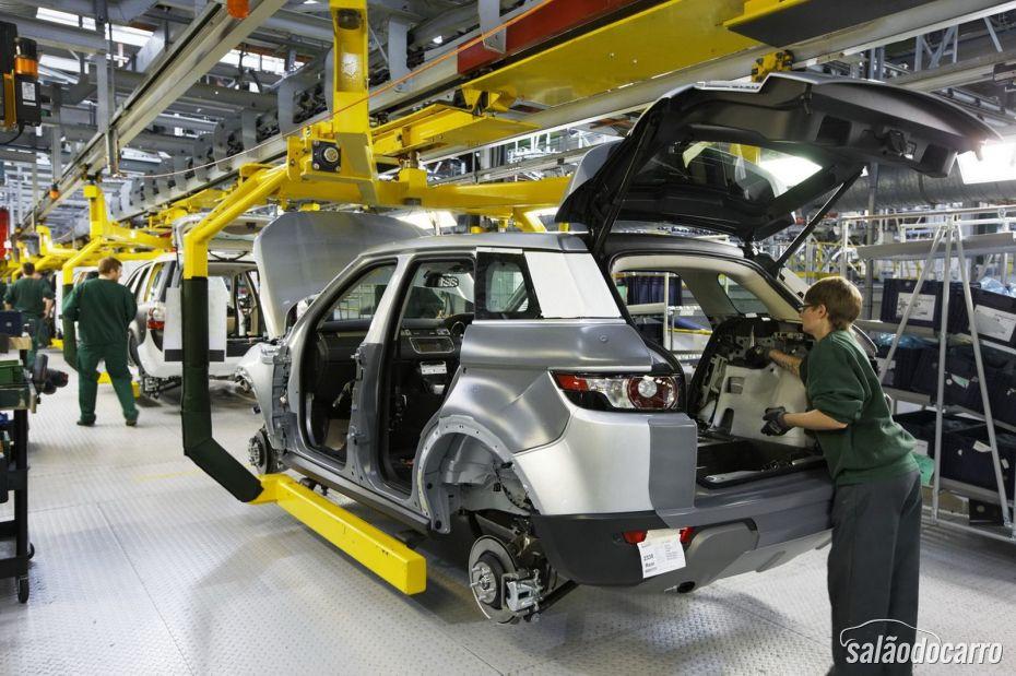 Fábrica da Land Rover  pode ser oficializada no Brasil nos próximos meses.