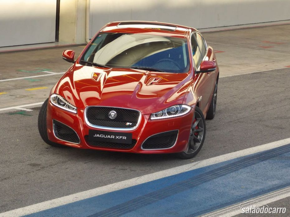 Jaguar XFR - Frente