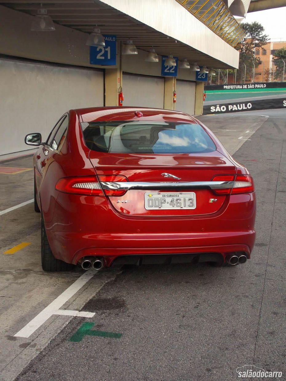 Jaguar XFR - Traseira