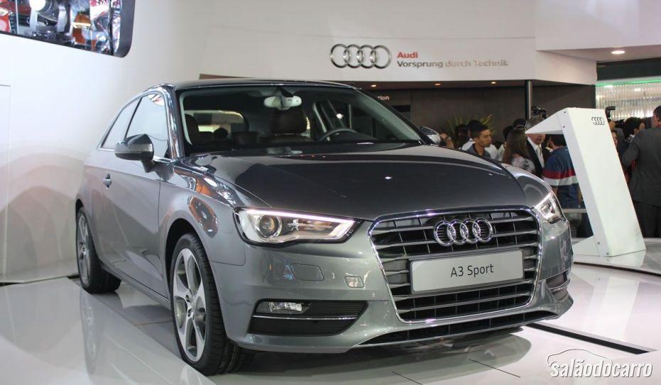 Audi A3 Sport custa R$ 115 mil no Brasil.