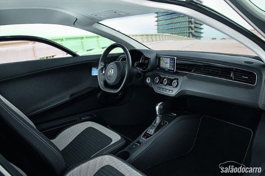 Volkswagen XL1 possui pouco espaço interno.