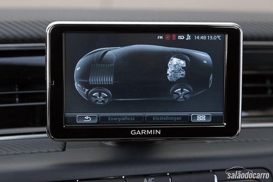 Volkswagen XL1 possui câmeras que substituem os vidros retrovisores.