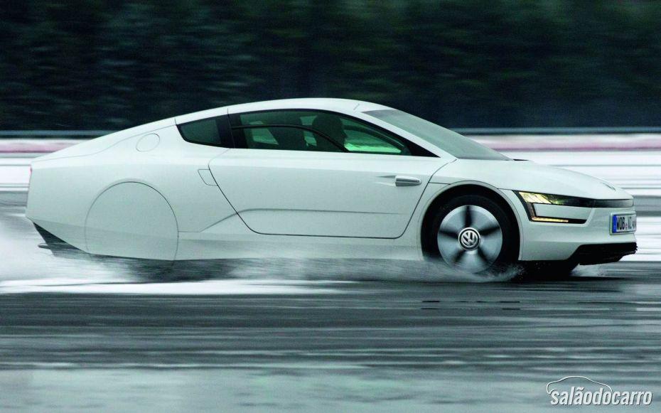 Volkswagen XL1 é o carro mais econômico do mundo.