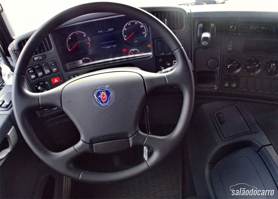 Scania P310 - Cabine e interior