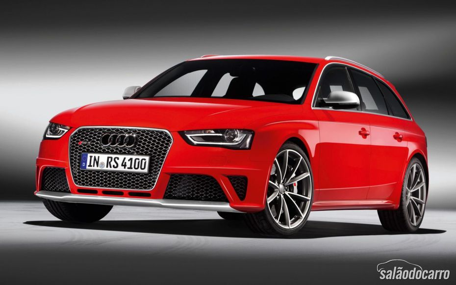 Audi RS 4 Avant está sendo lançado no Brasil.