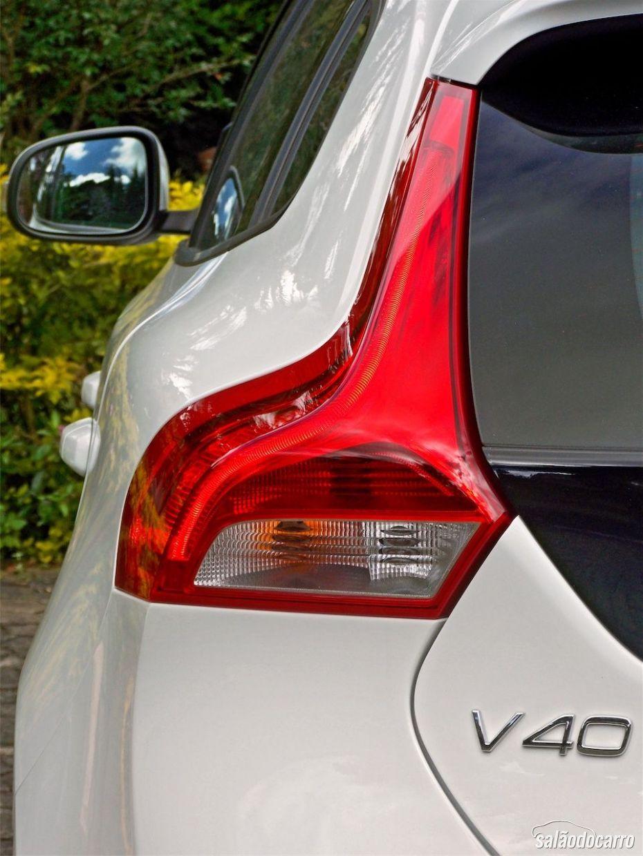 Volvo V40 - Detalhe da lanterna traseira