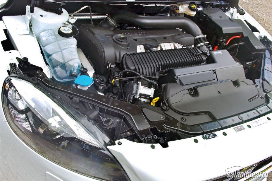 Volvo V40 - Motor