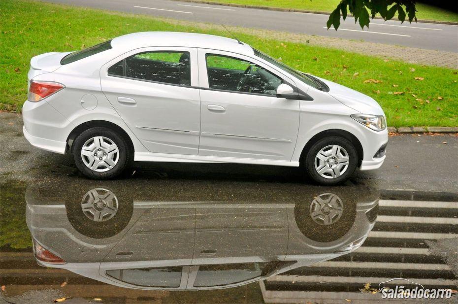 Chevrolet Prisma - Visão lateral