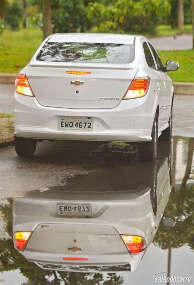Chevrolet Prisma - Detalhe da traseira