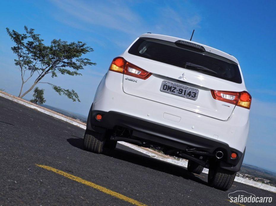 Detalhe da traseira do Mitsubishi ASX