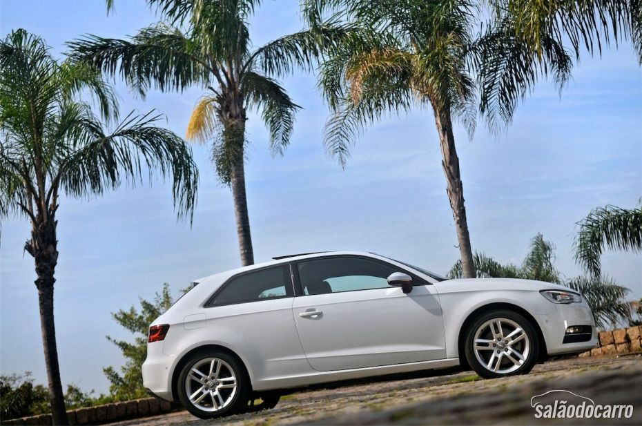 Novo Audi A3 Sport - Visão lateral