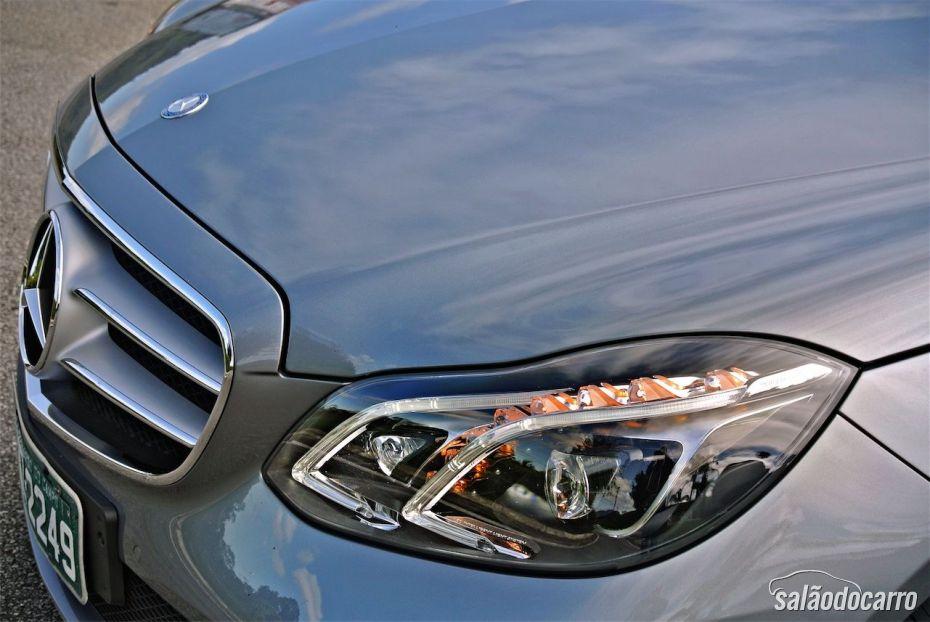 Mercedes-Benz Classe E - Detalhe do Farol