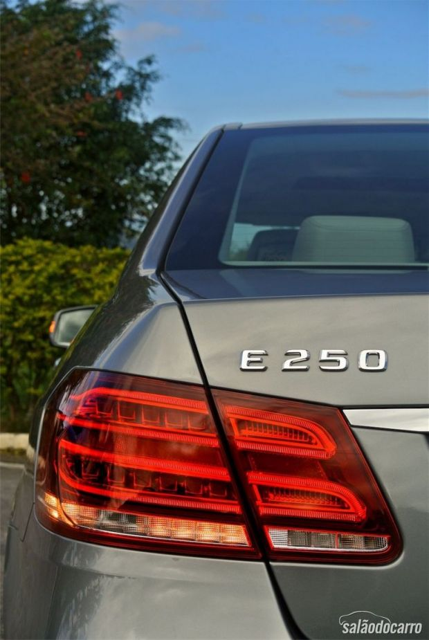 Mercedes-Benz Classe E - Detalhe da lanterna