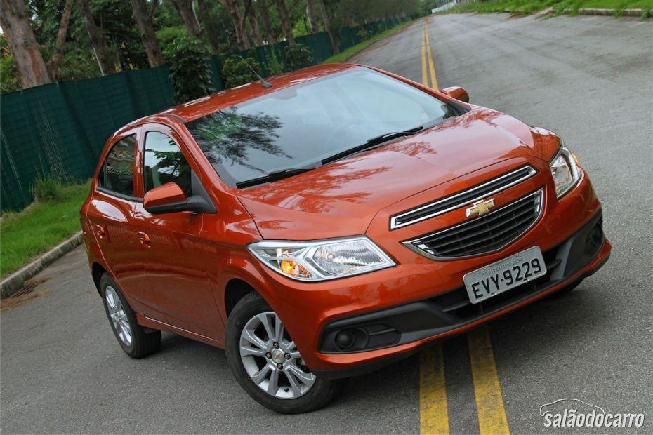 Chevrolet Onix 1.0 LT - Visão frontal
