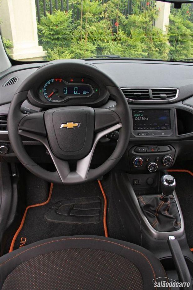 Chevrolet Onix 1.0 LT - Interior