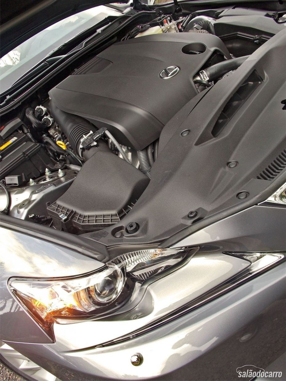 Motor do novo Lexus IS