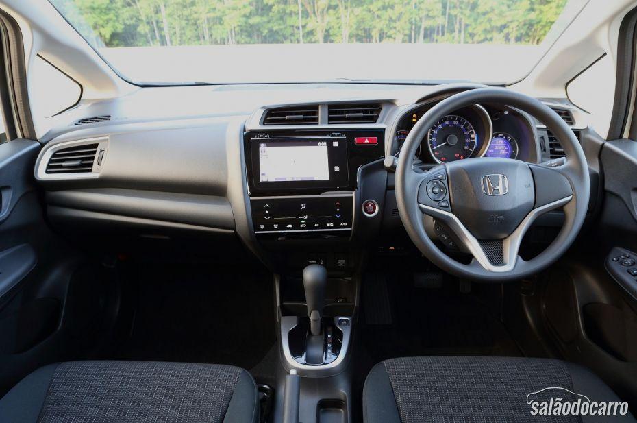Honda Fit 3ª Geração ganha mais espaço interno.