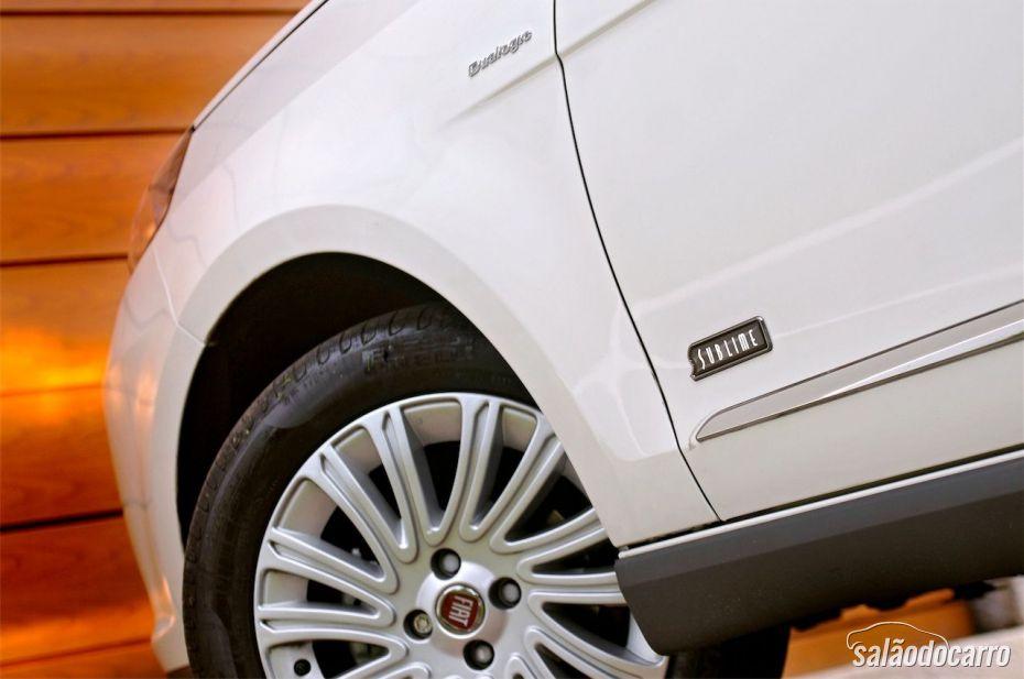 Fiat Grand Siena Sublime - Detalhe da roda