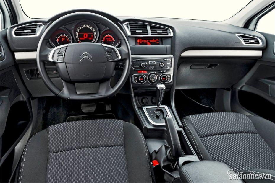 Interior do novo Citroën C4 Lounge