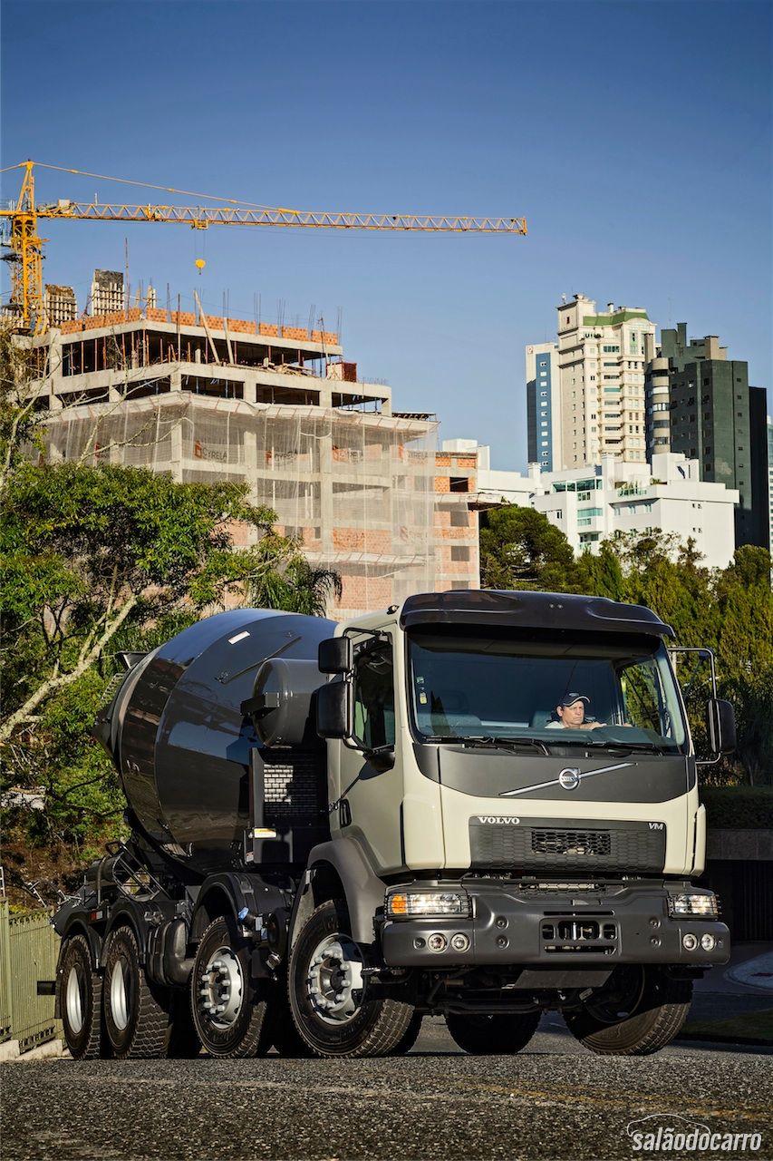 Volvo VM 8x2