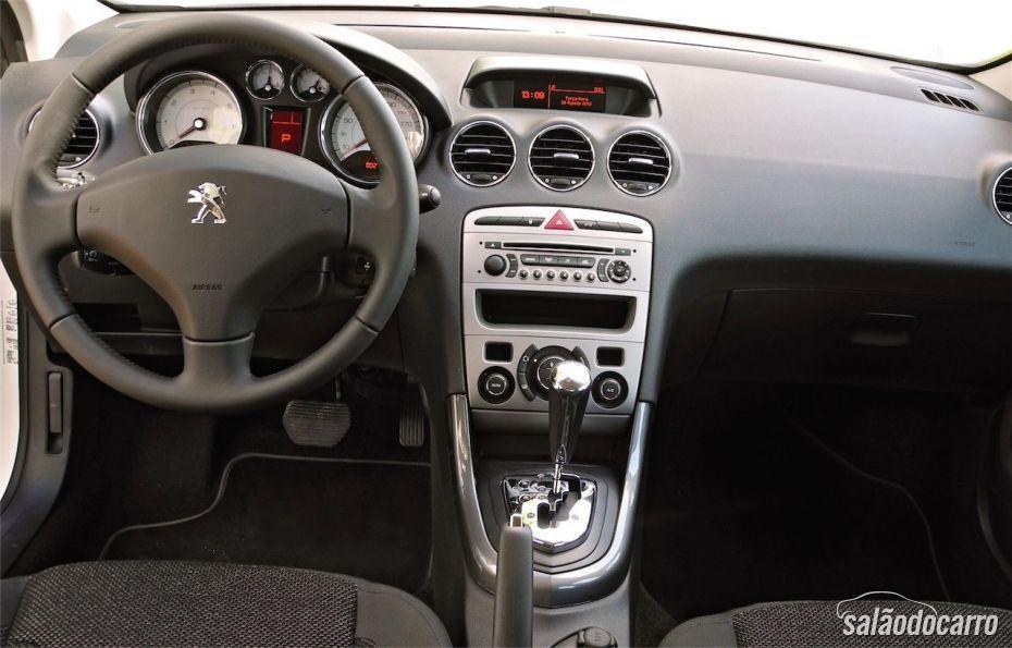 Interior do Peugeot 408