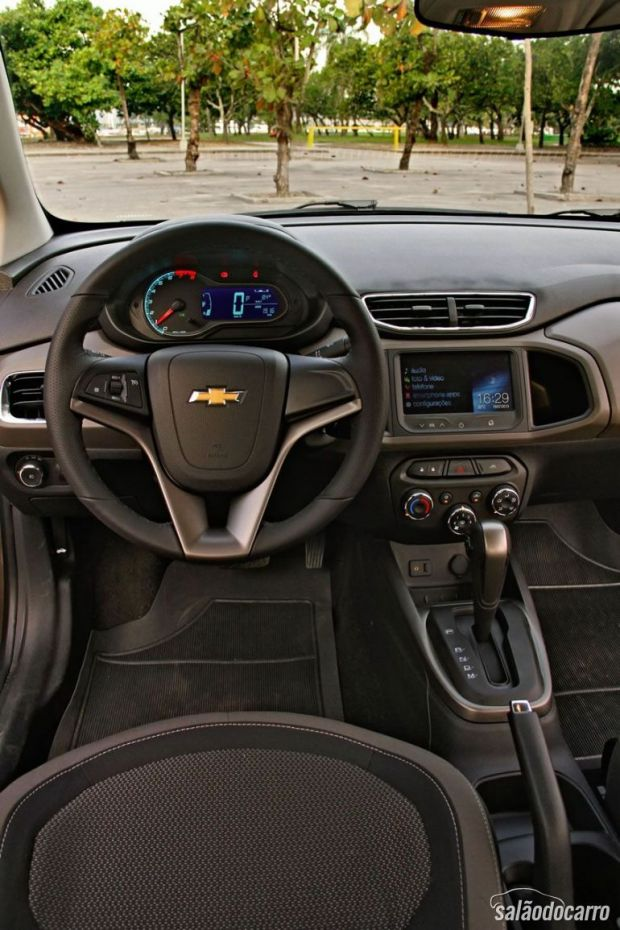 Interior do Chevrolet Prisma com Câmbio Automático