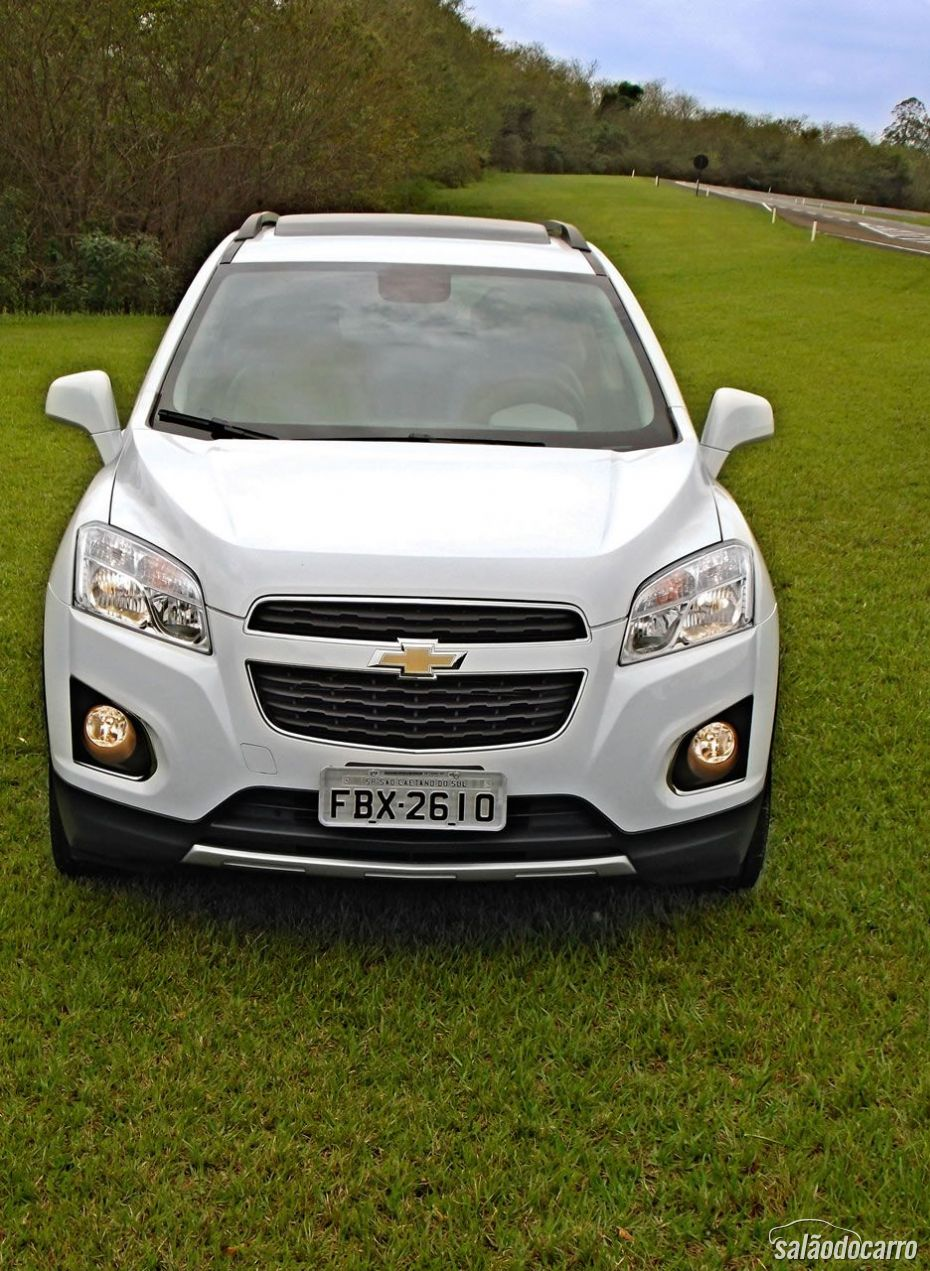 Tracker usa a famosa grade bi-partida da Chevrolet