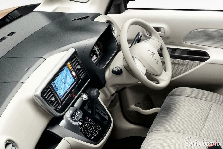 Mitsubishi eK Space Interior