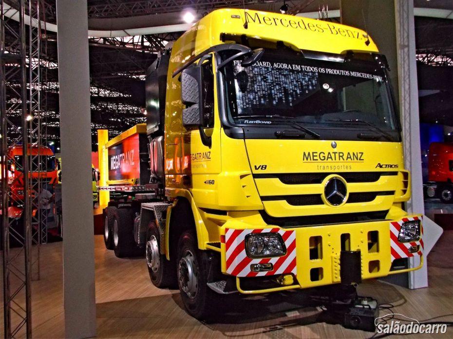 Mercedes Actros V8