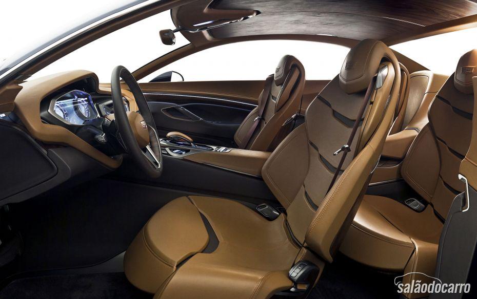 Cadillac Elmiraj Sedan de Luxo