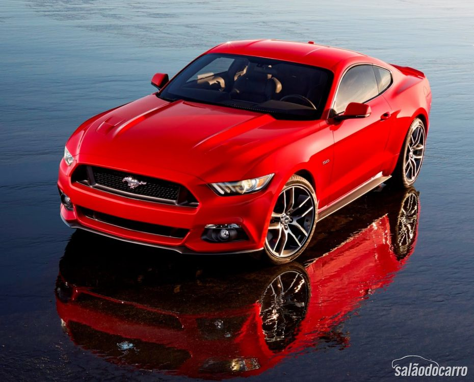 CES Ford Mustang